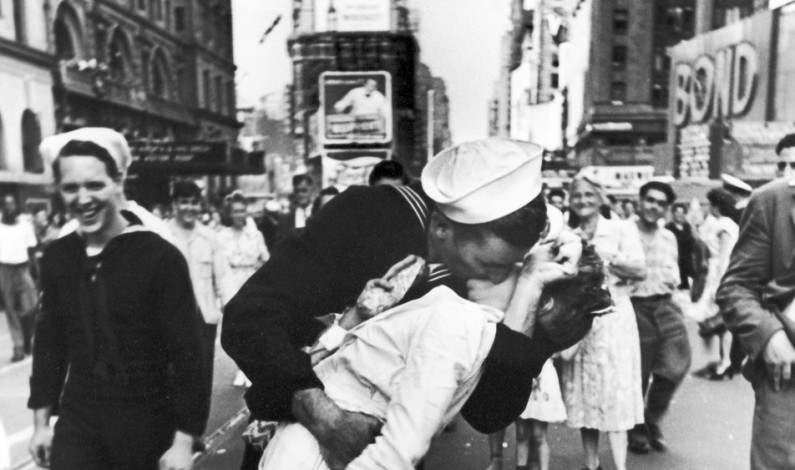 Alfred Eisenstaedt Was A German Born American Photographer And Photojournalist